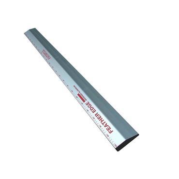 Faithfull FE6 1800mm Feather Edge with Scale