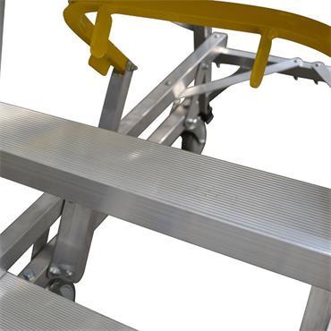 Werner 1340 Mobile Safety Steps with Large Platform